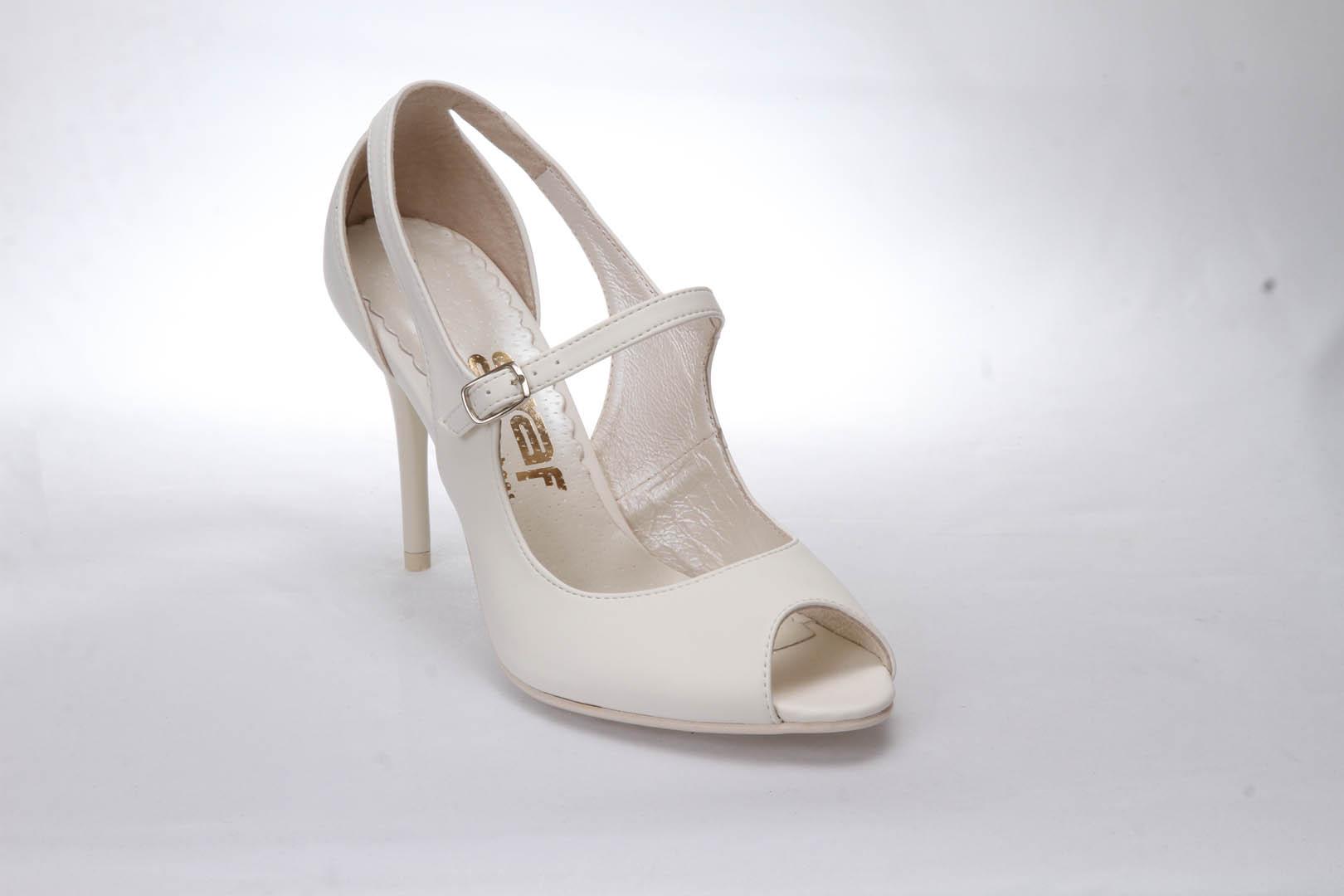 7c5b82f32c8 Svatební boty GRAF 1332 - satyna ecru-podměrná lodička