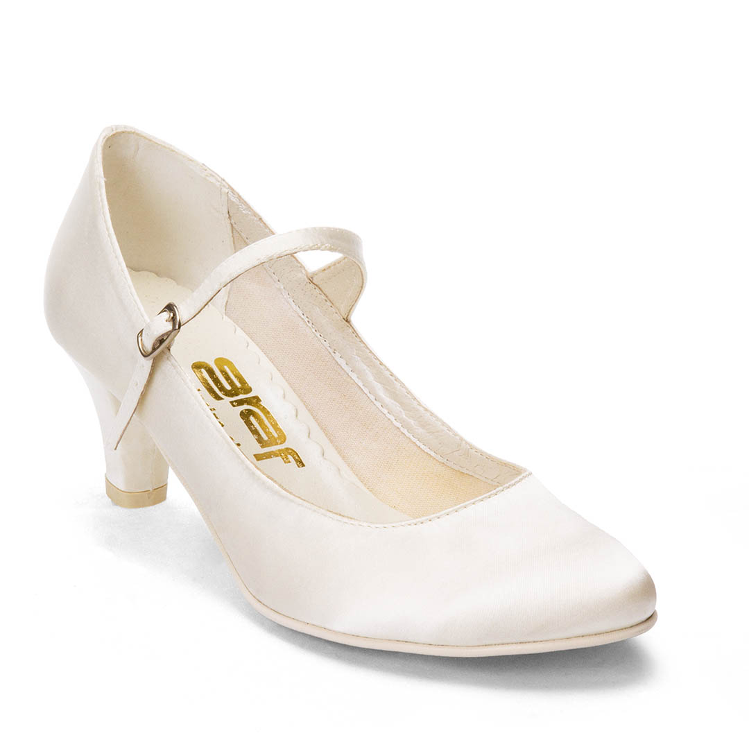 5273e9a7447 Svatební boty GRAF 1503 - Satén ivory